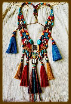 Ozean in einer Flasche Halskette Glasflasche mit Muscheln ~ Ethnic Jewelry…My Tribe ~ Absolutely stunning hand made jewelry. ~ Ethnic Jewelry…My Tribe ~ Textile Jewelry, Fabric Jewelry, Tribal Jewelry, Bohemian Jewelry, Tribal Necklace, Beaded Necklace, Necklaces, Hand Jewelry, Jewelry Shop