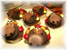 Oreo and Reeses Peanutbutter Cup Thanksgiving Turkey Cupcakes