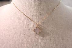 Dainty clover necklace, van cleef look