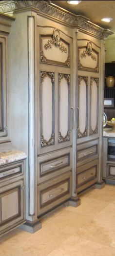 I just had to pin this because.....WOW! I would never have the house for cabinets this ornate but WOW!!!