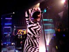 """Peek A Boo"" -  Siouxsie & The Banshees ... live on Top of the Pops 7.27.88"