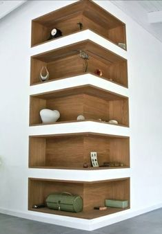 Space-Saving Corner Shelf Design Ideas www. - Home Decor Art - Space-Saving Corner Shelf Design Ideas www. Corner Shelf Design, Diy Corner Shelf, Corner Wall Shelves, Book Shelves, Storage Shelves, Corner Storage, Shelves Built Into Wall, Book Rack Design, Salon Shelves