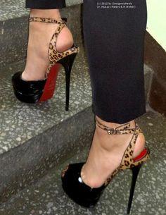 ♥ I feel like these are Khloe Kardashian Odom's feet for some reason.. Whoever she is she better werk!!!!