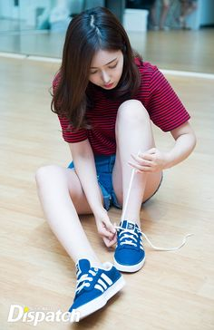 """""""Dispatch Starcast Behind the Scenes feature Cute Asian Girls, Beautiful Asian Girls, Cute Girls, Human Poses Reference, Pose Reference Photo, Kpop Girl Groups, Kpop Girls, Sinb Gfriend, Korean Fashion Kpop"""