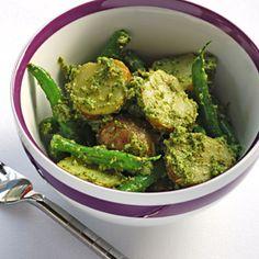 Potato and green bean salad with arugula pesto / Blue Kitchen http://www.blue-kitchen.com/2012/07/11/potato-green-bean-salad-with-arugula-pesto/