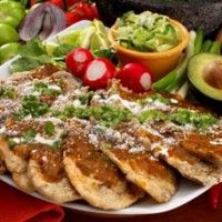 Discover recipes, home ideas, style inspiration and other ideas to try. Real Mexican Food, Mexican Food Recipes, Ethnic Recipes, Old Recipes, Cooking Recipes, Frijoles, Latin Food, Mexican Dishes, Soup And Salad