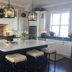 What lamp for my living room? Modern Farmhouse Kitchens, Country Kitchen, New Kitchen, Cool Kitchens, Kitchen Decor, Kitchen Ideas, Kitchen Paint, Rustic Kitchen, Kitchen Designs