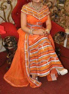 African Fashion Ankara, Latest African Fashion Dresses, African Print Fashion, Indian Fashion, Traditional African Clothing, Traditional Dresses, Moroccan Dress, Most Beautiful Dresses, African Dresses For Women