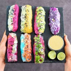 Vegan summer rolls – a healthy and gluten free recipe. These rice paper rolls ar… Vegan summer rolls – a healthy and gluten free recipe. These rice paper rolls are often called spring rolls. They are filled with glass noodles and veggies Raw Food Recipes, Gluten Free Recipes, Vegetarian Recipes, Coctails Recipes, Sushi Recipes, Dishes Recipes, Vegan Recipes With Rice, Recipes Dinner, Vegetarian Rice Paper Rolls