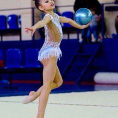 #rhythmicgymnastics #художественнаягимнастика #swarovski #купальникназаказ