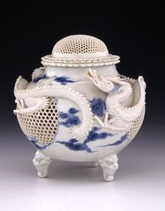 - Japanese porcelain - Hirado-ware. More