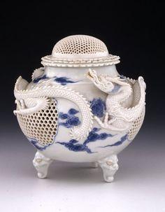 - Japanese porcelain - Hirado-ware.