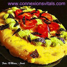 Connexions Vitals. Pizza de Polenta con Verduras y Mahonesa de Aguacate.