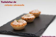 Tartaletas de salmón ahumado con lluvia de eneldo - http://www.thermorecetas.com/2013/07/18/tartaletas-de-salmon-ahumado-con-lluvia-de-eneldo/