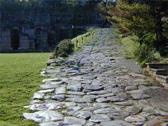 Voie romaine conduisant aux théâtres gallo-romains de Fourviere