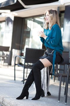 HAMSA HAND – Mi Aventura Con La Moda. White floral blouse+turquoise knit sweater+black cropped skirt+black over the knee boots+ivory fur jacket. Winter Everyday Outfit 2016-17