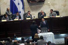 En orden Congreso realizó la quinta votación de magistrados La sesión convocada para las 9:00 am inició a eso de las 6:00 pm.