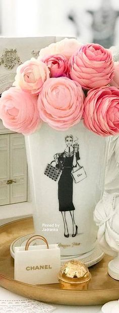 Happy Day, sending hugs and kisses 😘 Tea Party Theme, Party Themes, Coco Chanel Mademoiselle, Romantic Paris, Easy Like Sunday Morning, Let Your Hair Down, Pin Logo, Colour Pallete, Classy And Fabulous