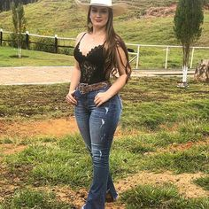 Image may contain: one or more people, people standing, shoes, outdoor and nature Summer Cowgirl Outfits, Western Outfits Women, Cowgirl Style Outfits, Country Style Outfits, Rodeo Outfits, Cute Outfits, Western Dresses, Country Girl Style, Vaquera Sexy