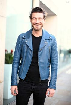 black + blue -- stand out in a blue leather jacket // menswear style + fashion