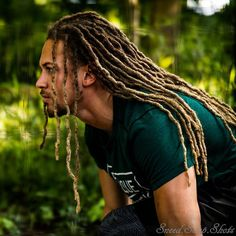 40 Fashionably Correct Long Hairstyles for Black Men - Machovibes Dreadlock Hairstyles For Men, Dreadlock Styles, Dreads Styles, Black Men Hairstyles, Dreadlocks Men, Locs, Dreads Man, Trendy Haircuts, Haircuts For Men