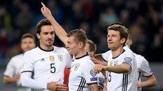 Toni Kroos bringt Deutschland mit 2:0 in Führung   Bildquelle: dpa/Daniel Reinhardt