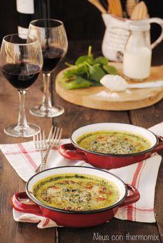 Quizás las espinacas es una de las verduras menos populares junto con la coliflor entre los más pequeños.   En casa les gusta comerlas crud...