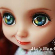 #disney #disneybabydoll #babydoll #merida #doll #dollcustom #디즈니베이비돌 #디즈니베이비돌리페인팅 #디즈니 #베이비돌 #베이비돌메리다 #메리다#dollstagram #repainting #돌스타그램 Disney Baby Dolls, Baby Disney, Ooak Dolls, Art Dolls, Disney Animators Collection Dolls, Doll Face Paint, Disney Animator Doll, Doll Repaint, Custom Dolls