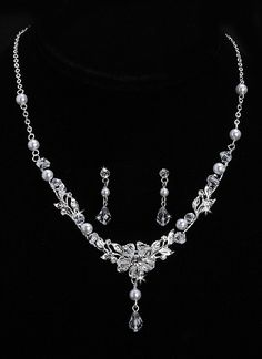 Floral Design Swarovski Crystal, Pearl, and Rhinestone Necklace & Earring Set