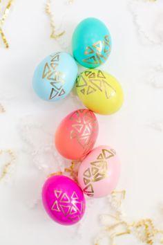 DIY Gold Geometric Easter Eggs | lovelyindeed.com