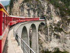 Muchos adjetivos caracterizan a este tren: unos lo llaman el más famoso del mundo; otros, el más len... - Copyright © 2016 Hearst Magazines, S.L.