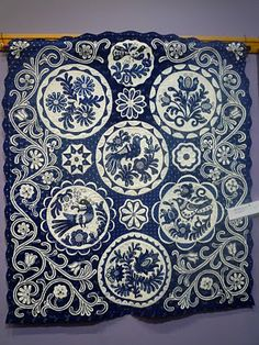 Blue Applique Quilt ... all I can say is OMG ...