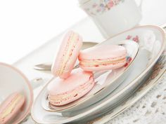 Turkish Delights Macarons are the best treat and so easy to make! Take a look at the recipe!