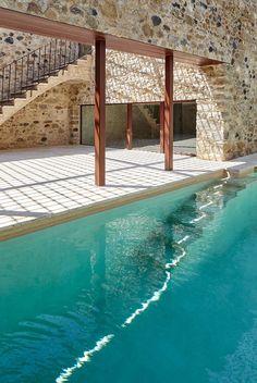 Rehabilitación De Una Masía En El Empordà - Picture gallery #architecture #interiordesign #swimmingpool