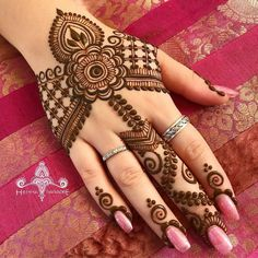 100 Latest Mehndi Designs For All parties.The art of henna, or more simply, Mehndi's design has existed for centuries. The use of Mehndi comes from its healing Mehndi Designs For Girls, Modern Mehndi Designs, Dulhan Mehndi Designs, Mehndi Design Pictures, Wedding Mehndi Designs, Mehndi Designs For Fingers, Henna Tattoo Designs, Mehandi Designs, Mehndi Images