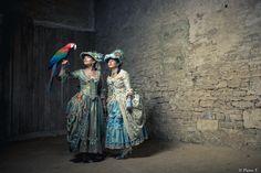 woman, birds, papagano, perroquet, marie-antoinette, dress, costume, color, hat