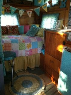 Vintage trailer interior. This could be my home away from home! :)