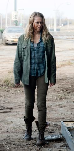 Teresa Palmer's outfit in the movie Warm Bodies