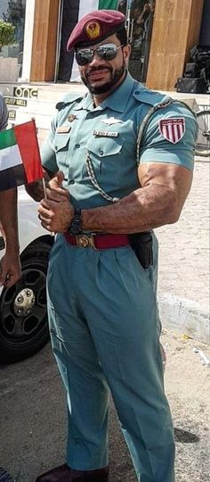 Shades and biceps Hot Cops, Men Closet, Beefy Men, Muscle Hunks, Big Muscles, Men In Uniform, Military Men, Muscular Men, Mature Men