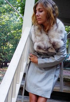 Dove GRAY LEATHER Trench with FOX Fur Collar 1970s Birkin Girl Chic $106.00