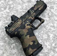 RAE Magazine Speedloaders will save you! Weapons Guns, Airsoft Guns, Guns And Ammo, Revolver, Camo Guns, Shooting Guns, Custom Guns, Firearms, Handgun