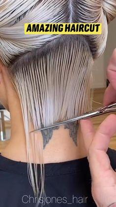 Hair Cutting Videos, Hair Cutting Techniques, Hair Videos, Short Hair With Layers, Short Hair Cuts, Hair Barrettes, Hair Clips, Medium Hair Styles, Short Hair Styles