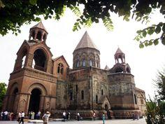 Catedral de Echmiadzin..... capital espiritual de **Armenia**