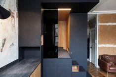 Un cube multifonction dans 32 m2 ? C'est possible ! Small Apartment Bedrooms, Micro Apartment, Small Apartments, Studio Apartment Design, Condo Design, Small House Floor Plans, Studio Room, Tiny Spaces, Design Moderne