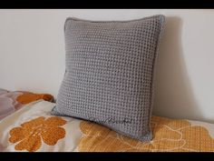 DomiCrochet - YouTube Tunisian Crochet, Cushions, Throw Pillows, Youtube, Blog, Pillows, Decor Pillows, Pillow Forms, Youtubers