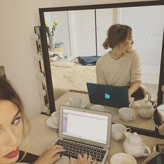 Resaca pos-puentil. Hoy: Blogging morning  #ElBlogDeBlancaSuarez #vogue