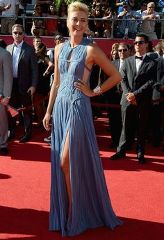 Tennis ace 2012 ESPY Awards in LAWhat? Maria Sharapova joined a whole host of athletes on the red carpet at the annual sporting awards last night - and was out to give Jessica Biel a run for her. Grecian Gown, Grecian Goddess, Sexy Dresses, Nice Dresses, Evening Dresses, Maria Sharapova, Big Fashion, Party Fashion, Espy Awards