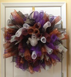 Curly Halloween wreath #decomesh