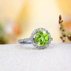 Sparkling Peridot Ring from JeGem.com