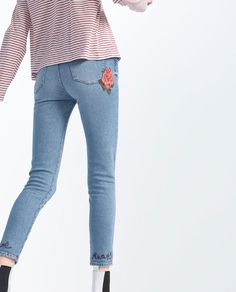 EMBROIDERED JEANS   Red and white striped top light jeans black ankle boots  Spring